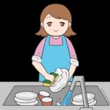 お皿を洗う主婦のイラスト